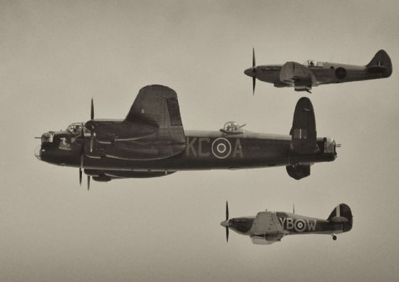 Lancaster, Spitfire and Hurricane Aircraft. Battle of Britain Memorial Flight. Military Print/Poster. Sizes: A4/A3/A2/A1 (003486)